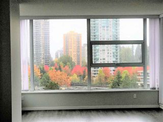 """Photo 3: 1503 5883 BARKER Avenue in Burnaby: Metrotown Condo for sale in """"ALDYNNE ON THE PARK"""" (Burnaby South)  : MLS®# R2215740"""