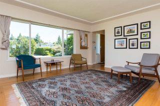 Photo 4: 15360 ROYAL Avenue: White Rock House for sale (South Surrey White Rock)  : MLS®# R2115146