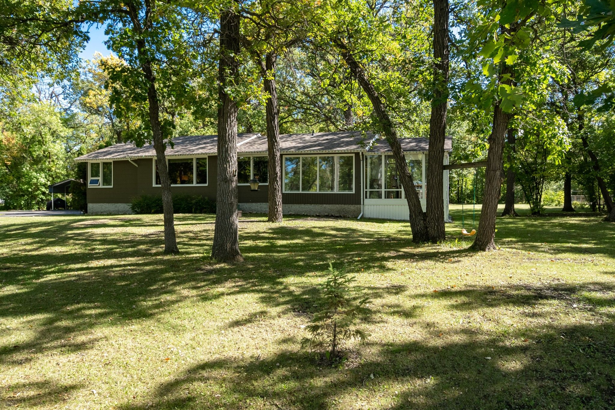 Main Photo: 3293 Henderson Highway: East St. Paul Single Family Detached for sale (3P)  : MLS®# 202023460