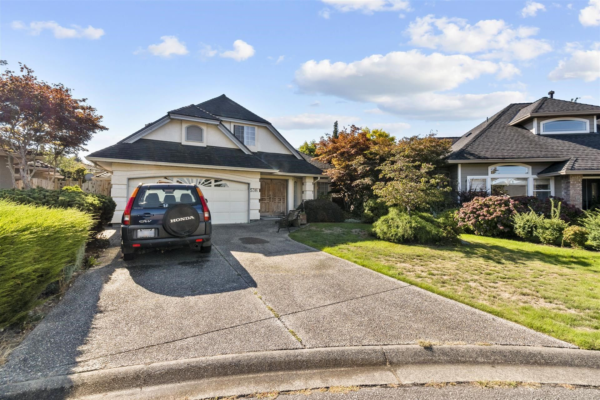 Main Photo: 5316 AUGUSTA Place in Delta: Cliff Drive House for sale (Tsawwassen)  : MLS®# R2615269
