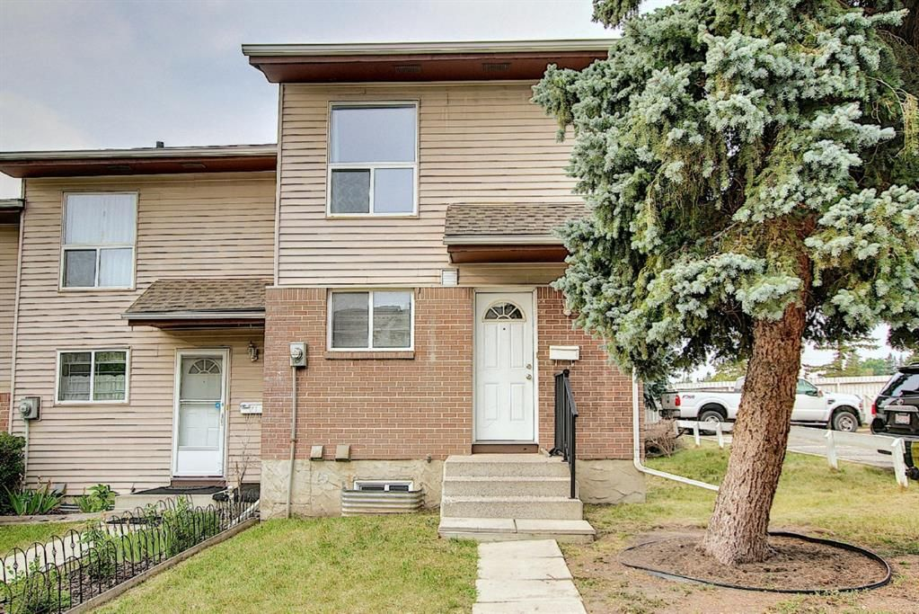 Main Photo: 19 64 Whitnel Court NE in Calgary: Whitehorn Row/Townhouse for sale : MLS®# A1136758