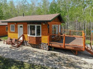 Photo 1: 49 Laurilla Drive in Lac Du Bonnet RM: Pinawa Bay Residential for sale (R28)  : MLS®# 202112235
