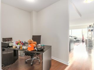 """Photo 5: 605 821 CAMBIE Street in Vancouver: Downtown VW Condo for sale in """"Raffles on Robson"""" (Vancouver West)  : MLS®# R2450056"""