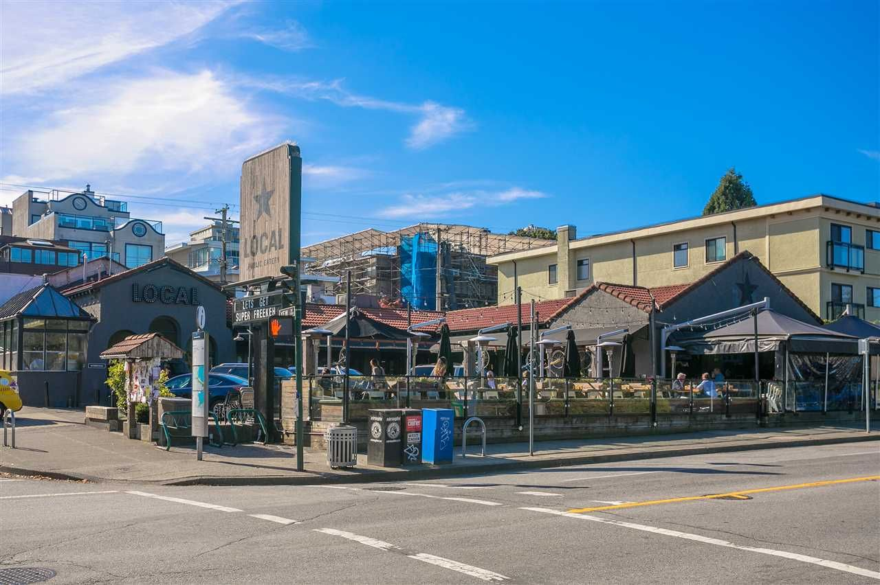 """Photo 18: Photos: 106 2428 W 1ST Avenue in Vancouver: Kitsilano Condo for sale in """"Noble House"""" (Vancouver West)  : MLS®# R2212887"""