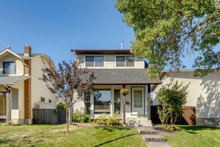 Photo 2: 915 Riverbend Drive SE in Calgary: Riverbend Detached for sale : MLS®# A1135568