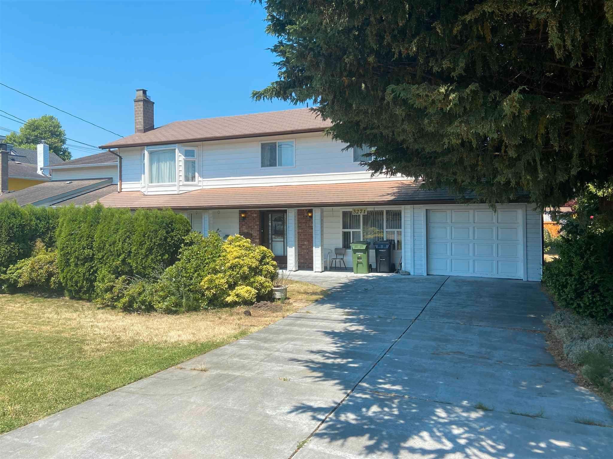 Main Photo: 3271 BROADWAY Street in Richmond: Steveston Village House for sale : MLS®# R2597646