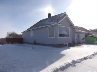 Photo 2: 433 Young Street in Bienfait: Residential for sale : MLS®# SK841929