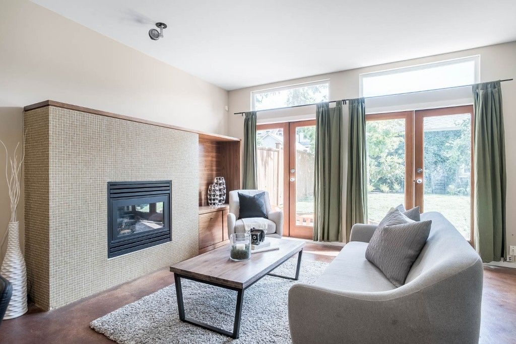 Main Photo: 1752 WILLIAM Street in Vancouver: Grandview VE 1/2 Duplex for sale (Vancouver East)  : MLS®# R2082146