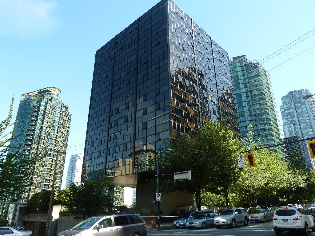 """Main Photo: 613 1333 W GEORGIA Street in Vancouver: Coal Harbour Condo for sale in """"Qube"""" (Vancouver West)  : MLS®# V1024937"""