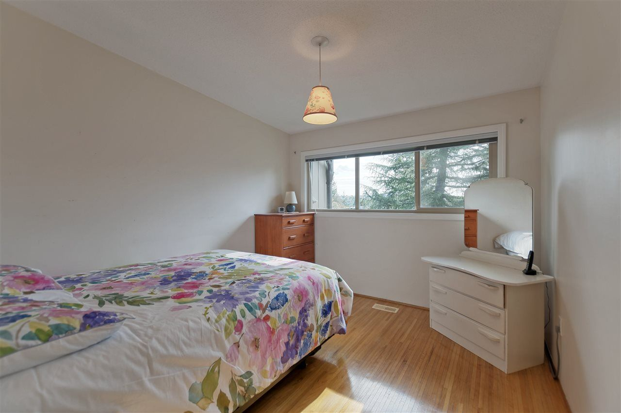 Photo 13: Photos: 2923 EDDYSTONE Crescent in North Vancouver: Windsor Park NV House for sale : MLS®# R2253154