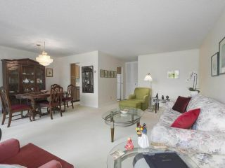 """Photo 3: 310 2101 MCMULLEN Avenue in Vancouver: Quilchena Condo for sale in """"Arbutus Village"""" (Vancouver West)  : MLS®# R2478885"""