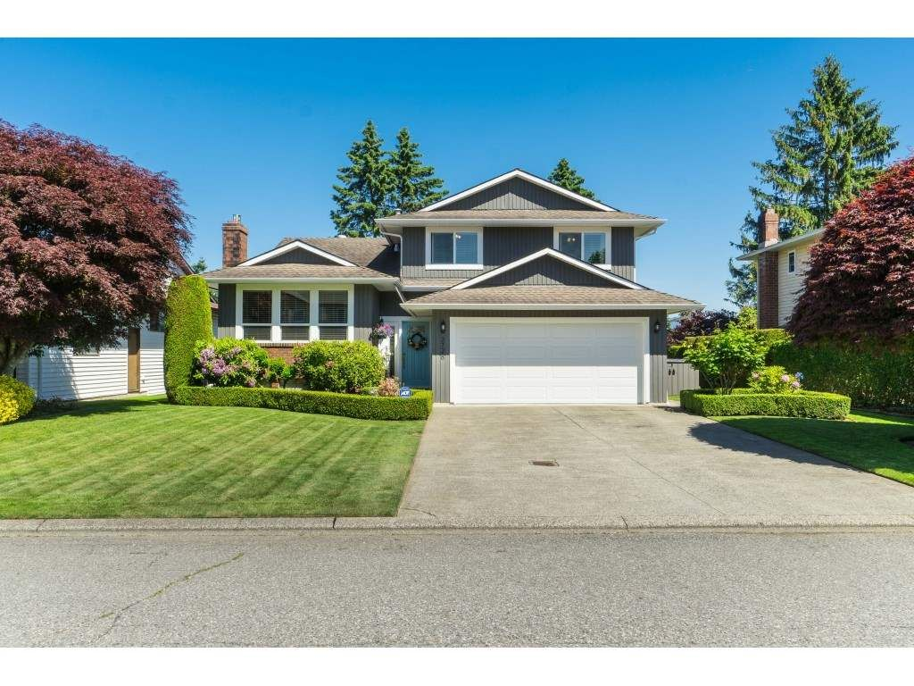 Main Photo: 3728 SQUAMISH CRESCENT in Abbotsford: Central Abbotsford House for sale : MLS®# R2460054