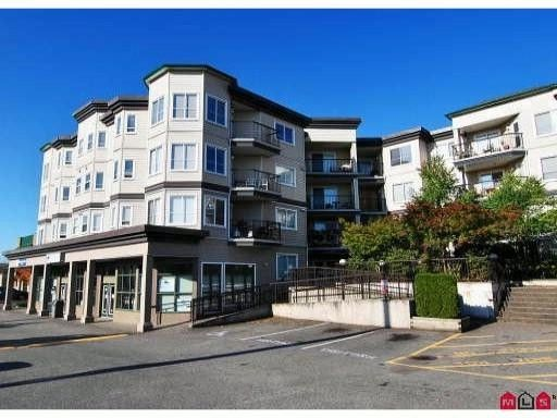 Main Photo: 104 5759 GLOVER Road in Langley: Langley City Condo for sale : MLS®# F1107271
