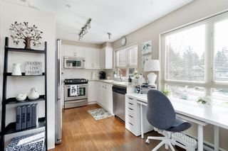 """Photo 8: 203 3097 LINCOLN Avenue in Coquitlam: New Horizons Condo for sale in """"LARKIN HOUSE"""" : MLS®# R2439303"""