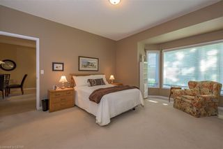 Photo 13: 36 1555 HIGHBURY Avenue in London: East A Residential for sale (East)  : MLS®# 40162340