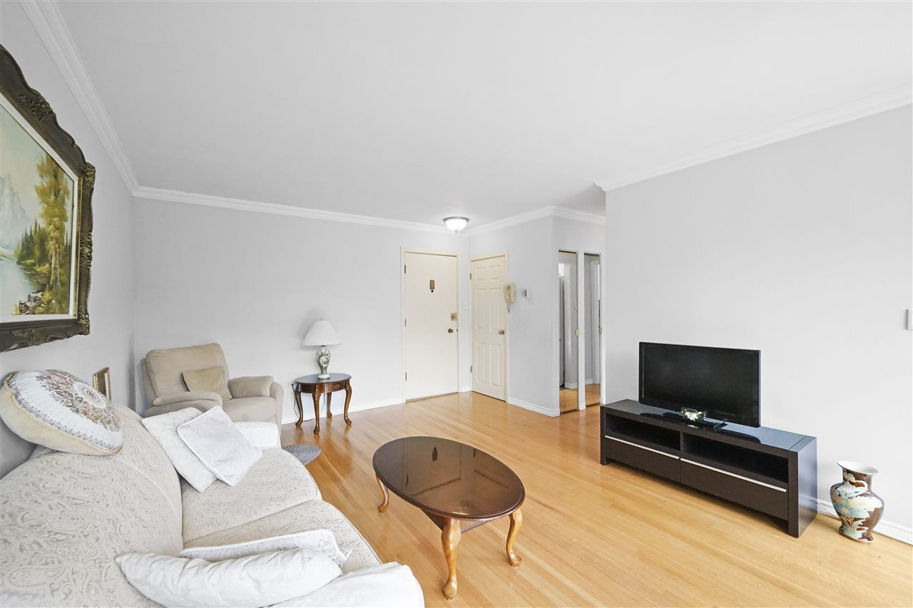 """Main Photo: 503 1315 CARDERO Street in Vancouver: West End VW Condo for sale in """"DIANNE COURT"""" (Vancouver West)  : MLS®# R2473020"""