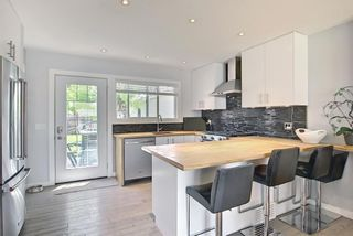 Photo 7: 11 Wellington Place SW in Calgary: Wildwood Detached for sale : MLS®# A1112496