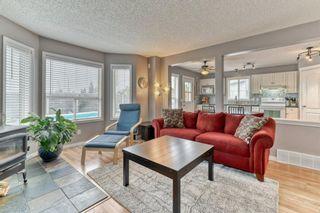 Photo 4: 161 Douglas Ridge Circle SE in Calgary: Douglasdale/Glen Detached for sale : MLS®# A1137353
