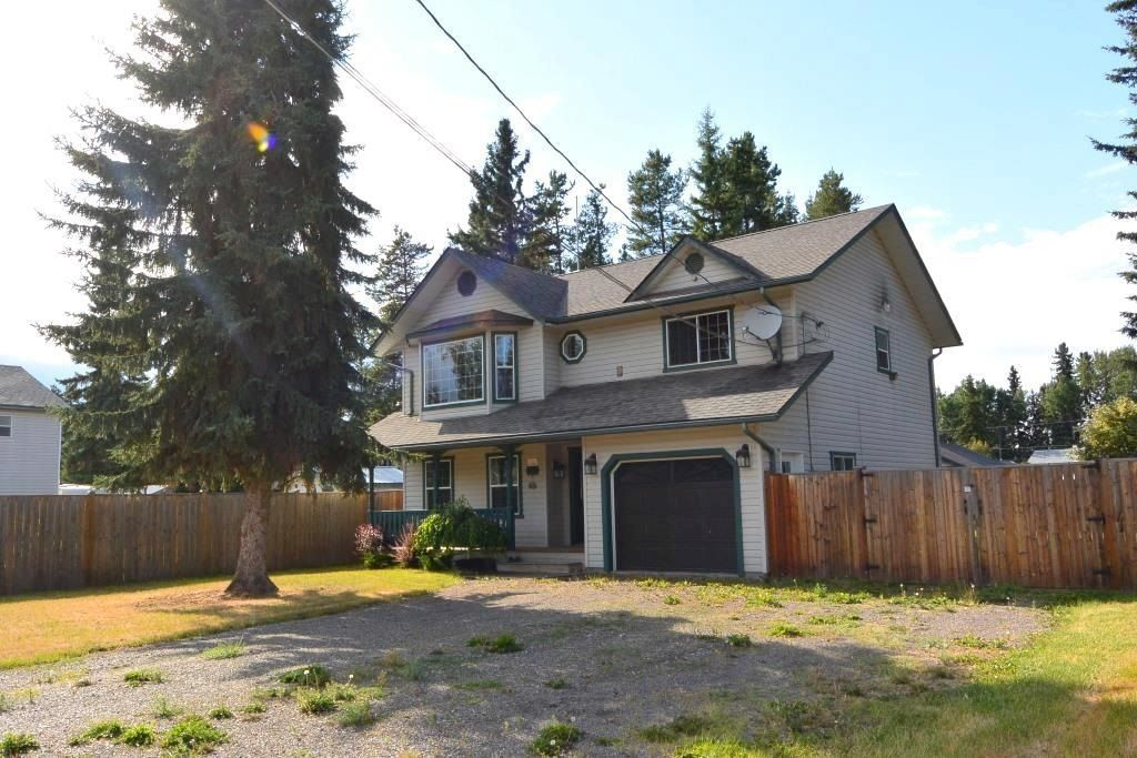 """Main Photo: 1488 WILLOW Street: Telkwa House for sale in """"Woodland Park"""" (Smithers And Area (Zone 54))  : MLS®# R2604473"""