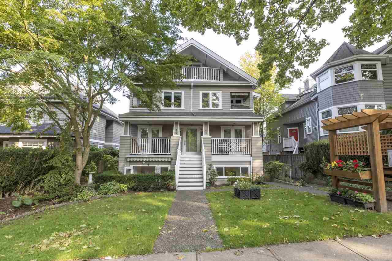 Main Photo: 61 W 13TH Avenue in Vancouver: Mount Pleasant VW Townhouse for sale (Vancouver West)  : MLS®# R2510101