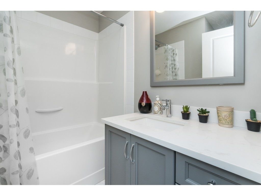 """Photo 27: Photos: 4 45526 TAMIHI Way in Sardis: Vedder S Watson-Promontory Townhouse for sale in """"BRIXTON STATION PHASE 2"""" : MLS®# R2459352"""