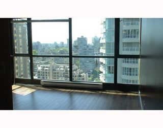 """Photo 5: 2210 1331 ALBERNI Street in Vancouver: West End VW Condo for sale in """"THE LIONS"""" (Vancouver West)  : MLS®# V767483"""