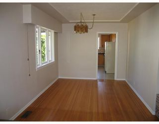 Photo 3: 907 KENT Street in New_Westminster: The Heights NW House for sale (New Westminster)  : MLS®# V778258