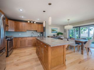 """Photo 13: 5557 PEREGRINE Crescent in Sechelt: Sechelt District House for sale in """"SilverStone Heights"""" (Sunshine Coast)  : MLS®# R2492023"""