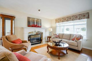 """Photo 3: 19 8555 209 Street in Langley: Walnut Grove Townhouse for sale in """"AUTUMNWOOD"""" : MLS®# R2575003"""