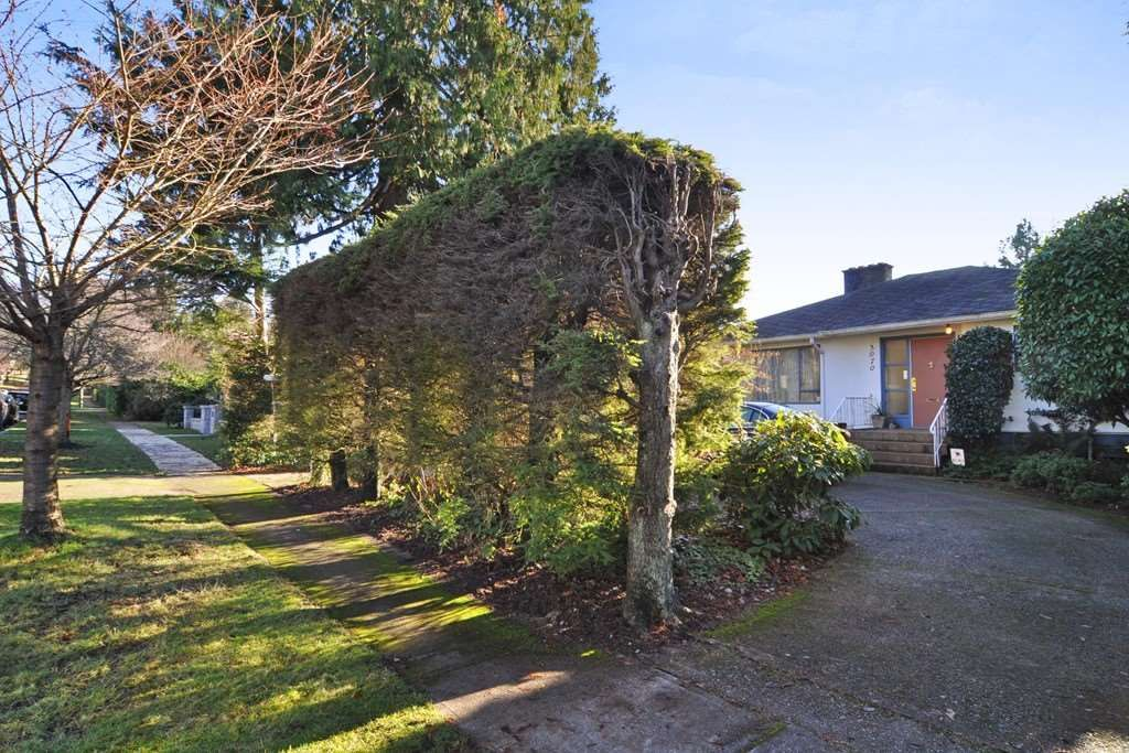 Rare double driveway with front street access