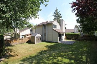 """Photo 11: 6121 W GREENSIDE Drive in Surrey: Cloverdale BC Townhouse for sale in """"Greenside Estates"""" (Cloverdale)  : MLS®# R2282415"""