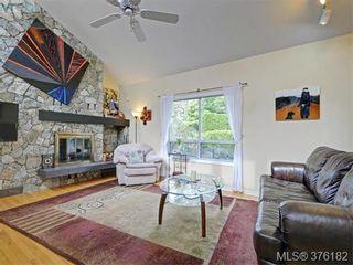 Photo 2: 1564 Prospect Pl in VICTORIA: OB North Oak Bay House for sale (Oak Bay)  : MLS®# 755138