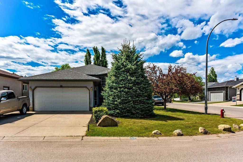 Main Photo: 19 SHEEP RIVER Crescent: Okotoks Detached for sale : MLS®# C4237827
