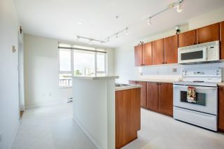 Photo 7: 415 7089 MONT ROYAL SQUARE in Vancouver East: Home for sale : MLS®# R2394689