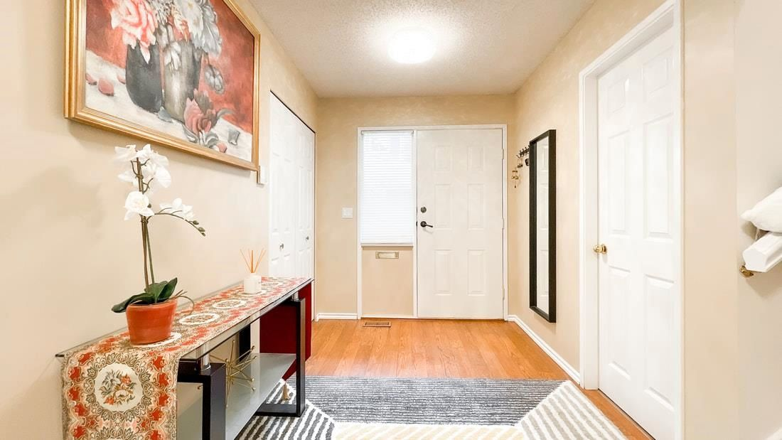 Photo 4: Photos: 66 9000 ASH GROVE CRESCENT in Burnaby: Forest Hills BN Townhouse for sale (Burnaby North)  : MLS®# R2603744