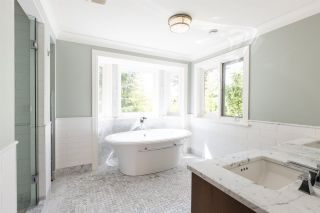 Photo 12: 6248 BALACLAVA Street in Vancouver: Kerrisdale House for sale (Vancouver West)  : MLS®# R2487436