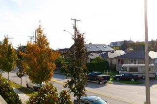 """Photo 12: 201 85 EIGHTH Avenue in New Westminster: GlenBrooke North Condo for sale in """"EIGHTWEST"""" : MLS®# R2310352"""