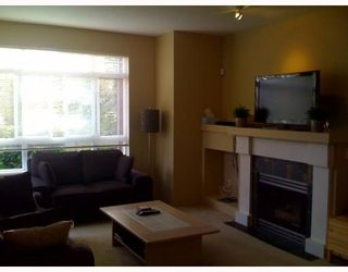 """Photo 3: 9 15 FOREST PARK Way in Port Moody: Heritage Woods PM Townhouse for sale in """"Discovery Ridge"""" : MLS®# V786202"""