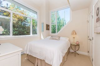 Photo 16: 2360 WATERLOO Street in Vancouver: Kitsilano 1/2 Duplex for sale (Vancouver West)  : MLS®# R2101486