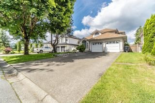 Photo 4: 9031 156A Street in Surrey: Fleetwood Tynehead House for sale : MLS®# R2615984
