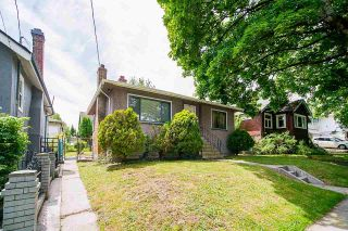 Photo 3: 360 E 24TH Avenue in Vancouver: Main House for sale (Vancouver East)  : MLS®# R2590012