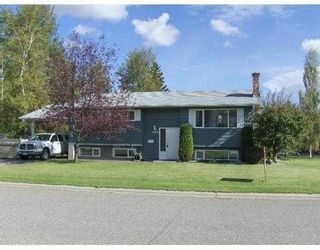 """Photo 2: 8190 PRINCE EDWARD Crescent in Prince_George: Lower College House for sale in """"LOWER COLLEGE"""" (PG City South (Zone 74))  : MLS®# N180525"""