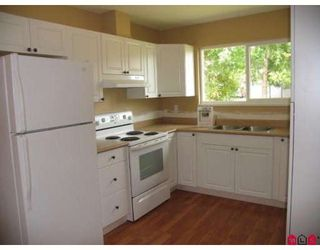 Photo 4: 9061 135A Street in Surrey: Queen Mary Park Surrey 1/2 Duplex for sale : MLS®# F2912646