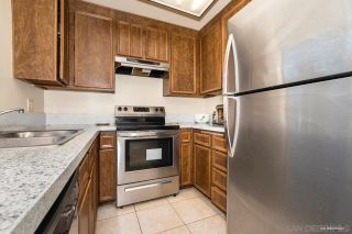 Photo 5: SANTEE House for sale : 3 bedrooms : 10392 Rochelle Ave