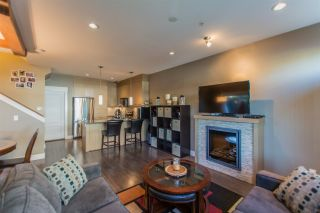 """Photo 10: 24 7298 199A Street in Langley: Willoughby Heights Townhouse for sale in """"YORK"""" : MLS®# R2115410"""