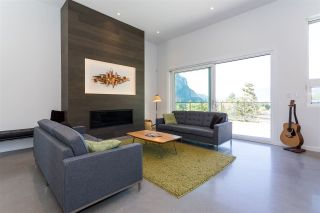 """Photo 4: 2186 WINDSAIL Place in Squamish: Plateau House for sale in """"Crumpit Woods"""" : MLS®# R2201089"""