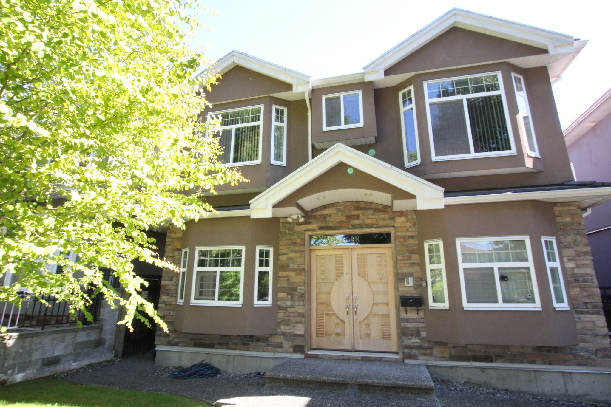 Main Photo:  in Vancouver: Killarney VE House for rent (Vancouver East)  : MLS®# AR001B