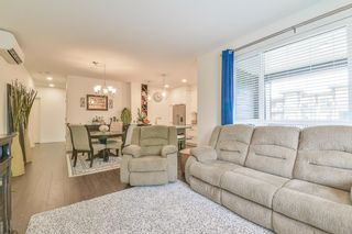 """Photo 11: 307 33540 MAYFAIR Avenue in Abbotsford: Central Abbotsford Condo for sale in """"RESIDENCES AT GATEWAY"""" : MLS®# R2527416"""