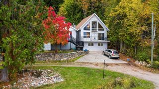 Photo 3: 3490 Eagle Bay Road, in Salmon Arm: House for sale : MLS®# 10241680