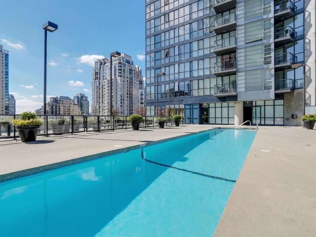 Main Photo:  in Vancouver: Condo for rent : MLS®# AR025A